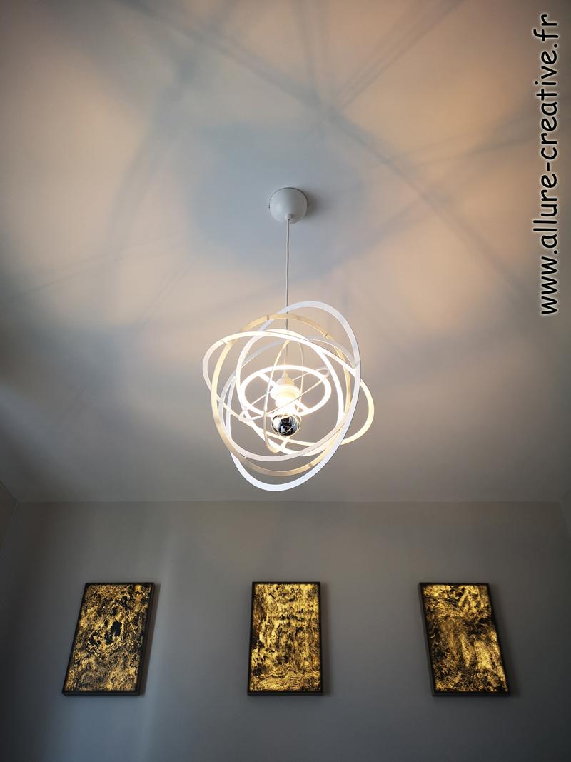 cadres + suspension avec effets de lumière