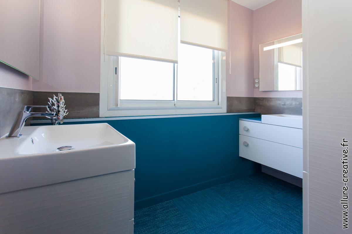 salle_d_eau_meuble_blanc_structure_vague_appartement_les_sables_la_chaume