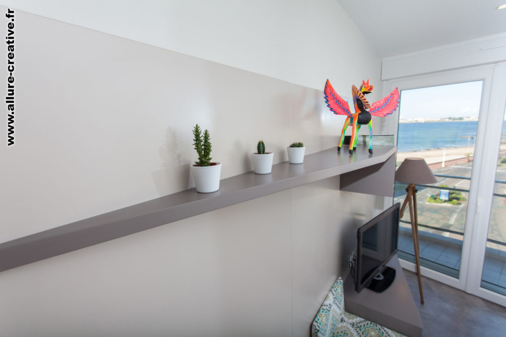 Allure-Creative-detail-meuble-salon-vue-sur-mer